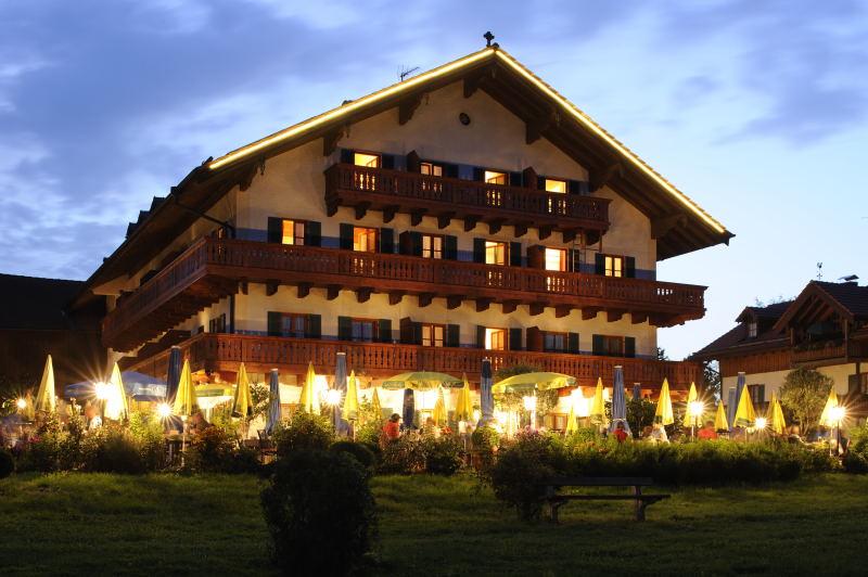 Chiemsee-Chiemgau: Landgasthof Schalchenhof