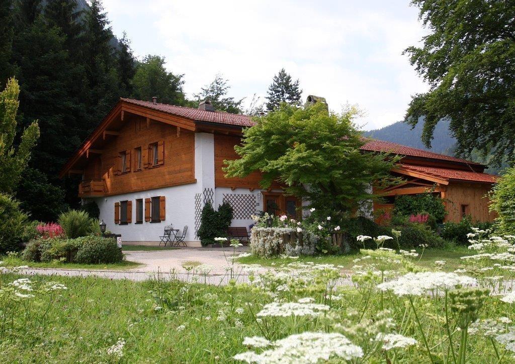 Chiemsee-Chiemgau: Ferienwohnung am Römerweg Wald