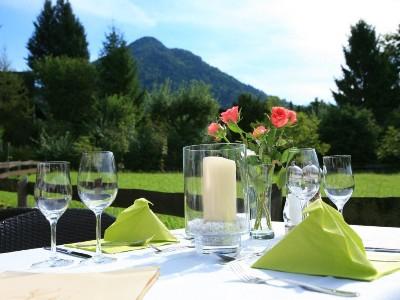 Speisen mit Bergblick