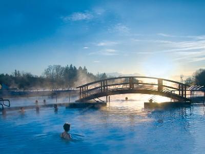 Chiemgau Thermen Außenbecken im Winter