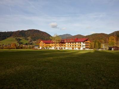 Außenansicht Gut Steinbach im Winter